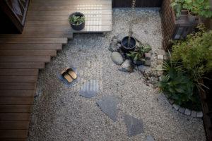 スタジオ侶居 中庭